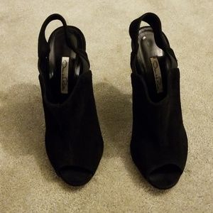 Oscar de la renta black seude peep toe (run small)